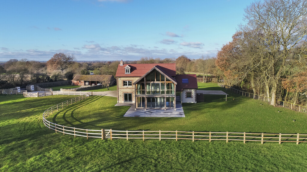 Frogditch Farm Oak Hybrid Home